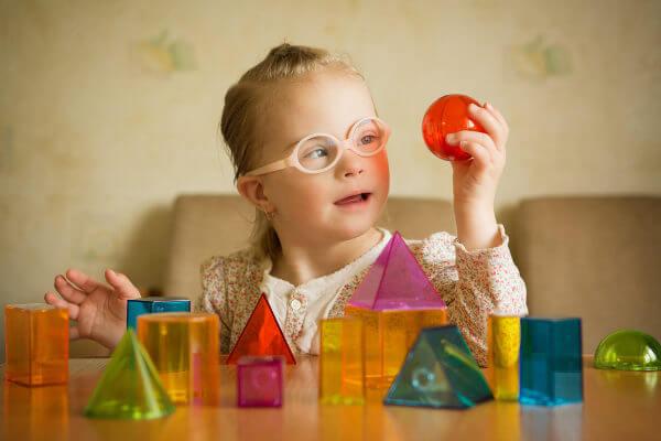 A realização de terapias pode ser fundamental para o desenvolvimento da pessoa com síndrome de Down.