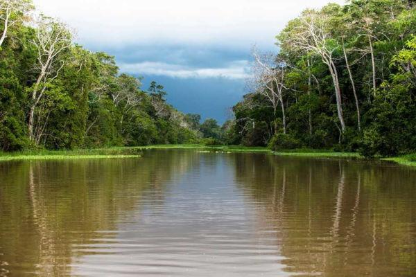 Os recursos hídricos e sua distribuição são estudados pelo ramo da Geografia conhecido como Hidrologia.
