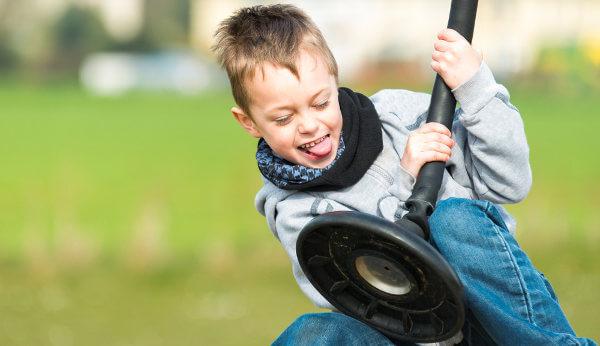 Indivíduos com TDAH apresentam dificuldade de ficarem quietas.