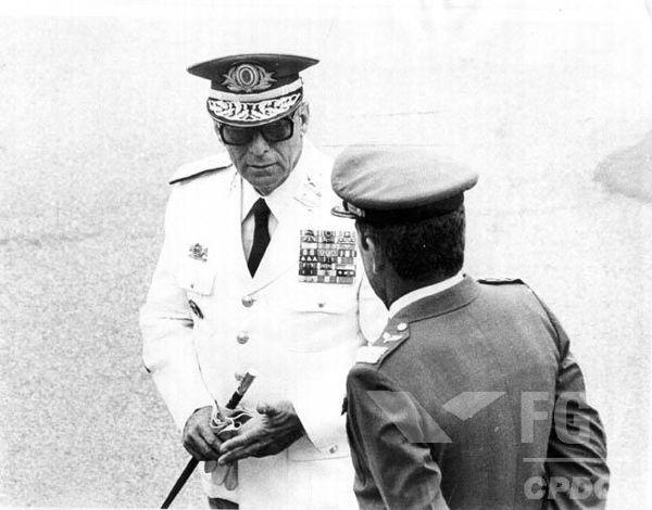 João Figueiredo (de branco) foi o último presidente durante a Ditadura Militar. (Créditos: FGV/CPDOC)
