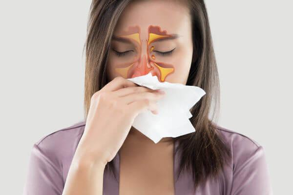 A sinusite é a inflamação dos seios da face.
