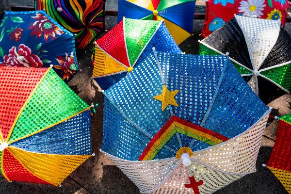 No Dia do Folclore, costuma-se celebrar os elementos que fazem parte da cultura popular brasileira.