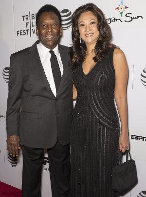 Pelé e a atual mulher, Marcia Aoki.5