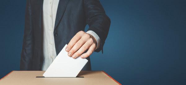 A eleição de representantes políticos é a característica principal da democracia representativa.