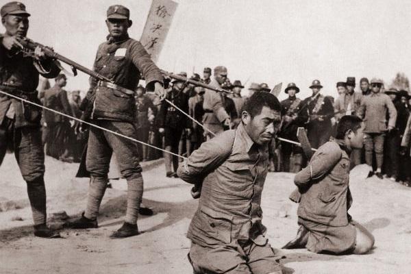 Nem durante a Segunda Guerra Sino-Japonesa (1937-1945), comunistas e nacionalistas pararam de lutar entre si.