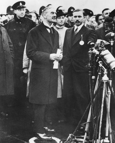 No dia 3 de setembro de 1939, o primeiro-ministro britânico, Neville Chamberlain, declarava guerra à Alemanha.