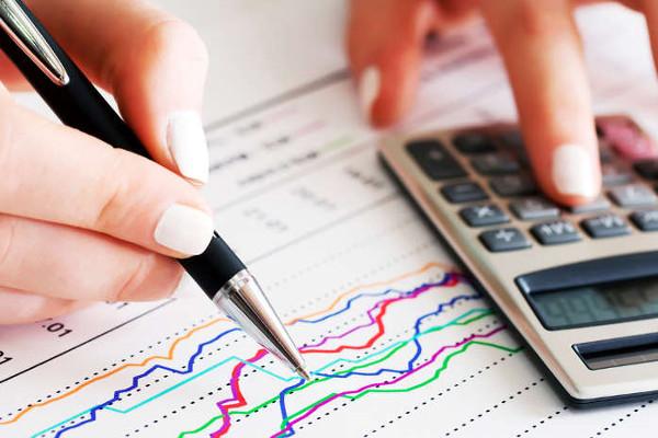 O cálculo do IDH representa a média entre as três dimensões consideradas: educação, renda e saúde.