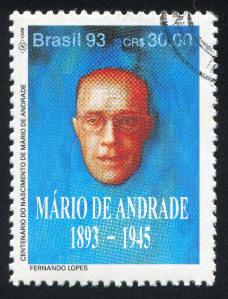 Selo com retrato de Mário de Andrade por ocasião do centenário de seu nascimento. [1]